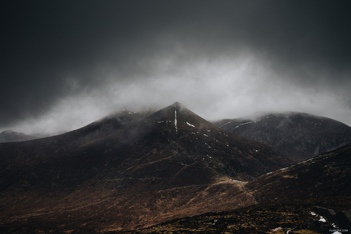 The view from Commedagh to Slieve Bearnagh